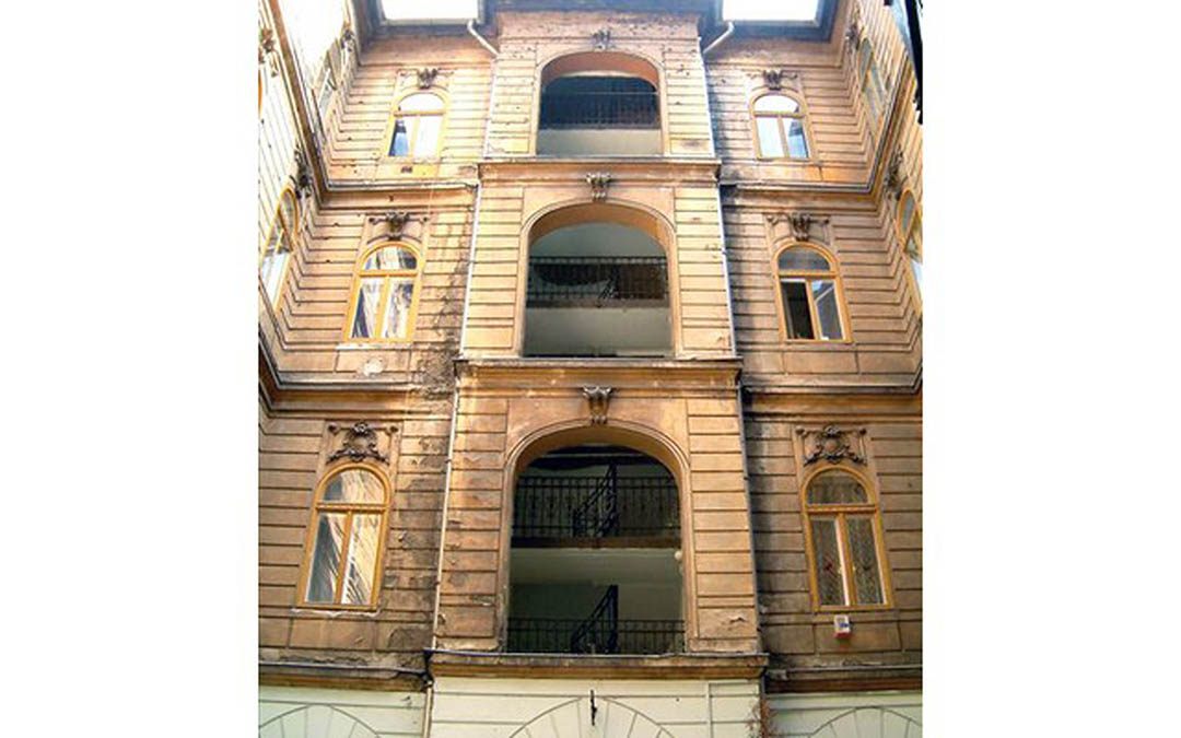 calle_alkotmany_budapest_01
